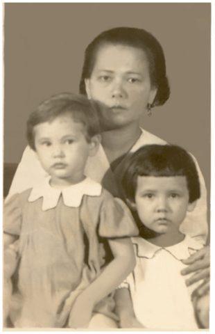Oma, Mum, Aunt