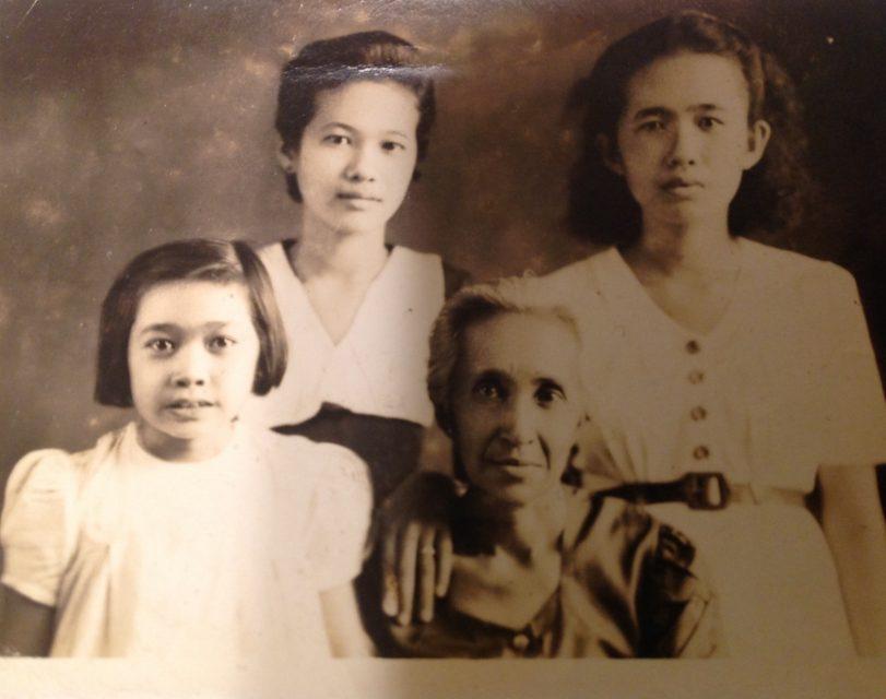Bottom left: Sylvie's tante Ernestina de Nijs. Bottom right: Oma Florentina Pereira-deNijs. Top left: Sylvie's mother, Martha de Nijs. Top right: Sylvie's tante Marie de Nijs. In Indonesia. Occasion: Engagement of Sylvie's mother, Martha de Nijs to Jan de Hoop