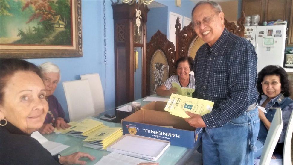 2015 - René Creutzburg prepares De Indo's Monthly Mailing