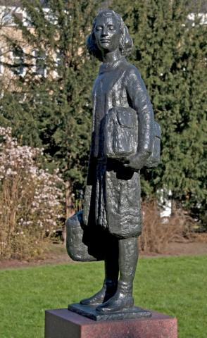 Statue of Anne Frank to Merwedplein in Amsterdam, Netherlands - Photo Credit: Ronald Wilfred Jansen
