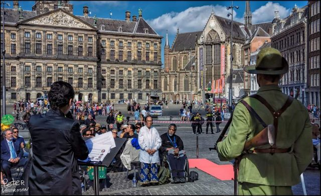 Peggy Stein gives her speech at commemoration in Amsterdam. Photo credit: Peter Veerman